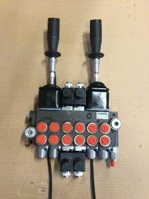 Monoblockventil 6 sektioner, 2 joystickar